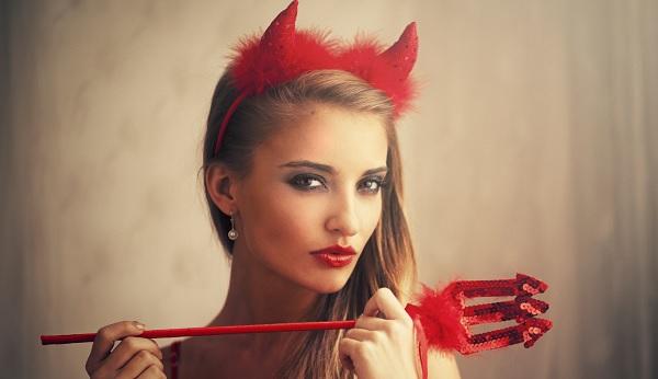 Vestiti Diavoletta per Halloween Fai da te  cb3d65d8fedd