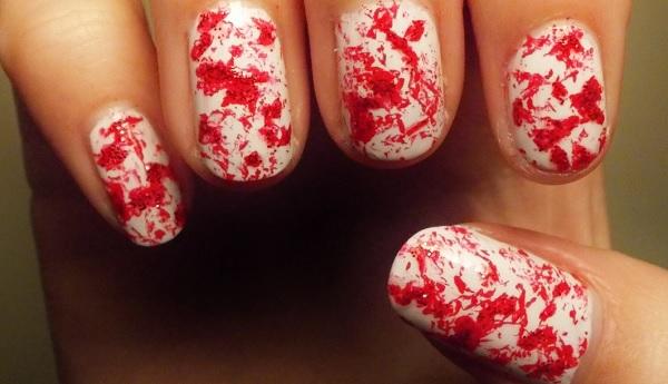 unghie splatter sangue